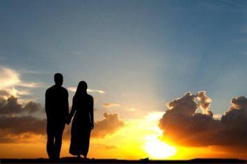 Ini Yang Harus Dilakukan Seorang Istri Saat Menyambut Suami Pulang Kerja
