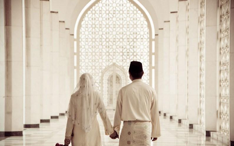 Wahai Suami Katakanlah Ini Kepada Istrimu